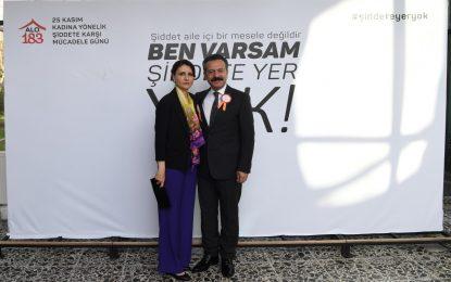 Kadına Yönelik Şiddete Karşı Uluslararası Mücadele Günü'ne, AKSOY Çifti'nden Tam Destek