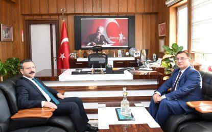 Vali Hüseyin Aksoy  Körfez Kaymakamı Gürsoy Osman Bilgin'i Ziyaret Etti