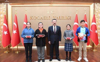"""""""Kooperatifçilik"""" Konulu Resim Yarışmasında Dereceye Giren Öğrenciler Ödüllendirildi"""