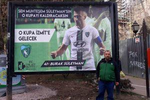 Başkan Hürriyet'ten Kocaelisporlu futbolculara afişli motivasyon
