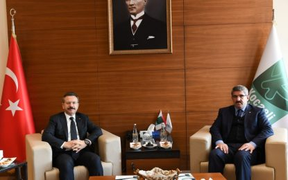Vali Aksoy, Kocaeli Ticaret Odası Başkanı Necmi Bulut'a Taziye Ziyaretinde Bulundu