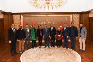 Kocaeli Trabzonlular Dernek Başkanı ve Yönetimi Vali Hüseyin Aksou'u Ziyaret Etti