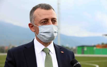 """Başkan Büyükakın,  """"Şehit Fatih Karagöz'ün ismini  bu sahada yaşatacağız"""""""