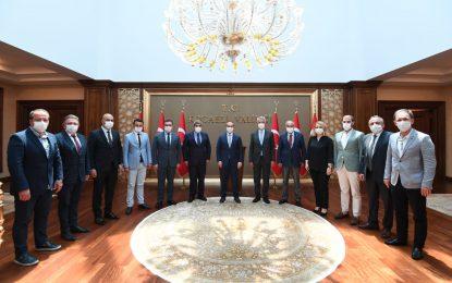 Kocaeli Ticaret Odası Başkanı Bulut ve Yönetiminden Vali Yavuz'a hayırlı olsun ziyareti