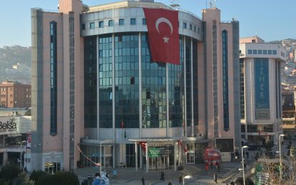"""İzmit Belediyesi bu kez """"Kardeş Eller"""" ile umut olacak"""