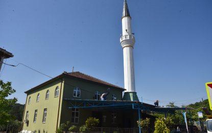 İzmit Belediyesi Çayırtarla Camii cemaatini güneş altında bırakmadı