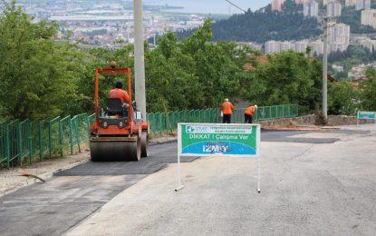 İzmit Belediyesi'nden Gündoğdu'da asfalt seferberliği