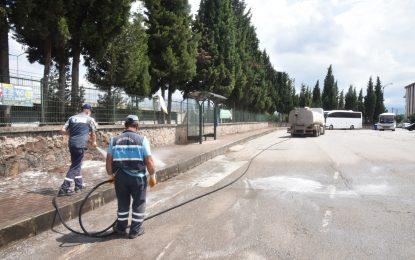Cumhuriyet Mahallesi haşerelere ve koronavirüse karşı güvende