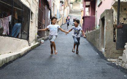 İzmit Belediyesinin Serdar'da ki çalışmaları en çok çocukları sevindirdi