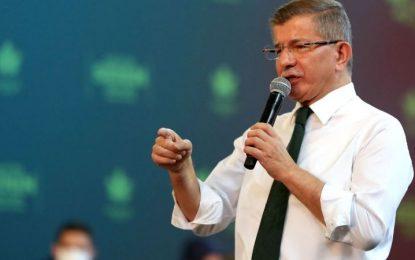 Gelecek Partisi kongresinde konuşan Davutoğlu: Artık iktidar korkuyor