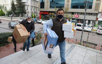 Başkan Hürriyet'in çağrısıyla İzmit halkı İzmirli kardeşleri için seferber oldu