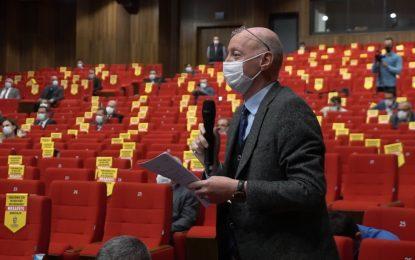 Özmural, Büyükşehir meclisinde İSU'ya Bulvar'daki su baskınlarını hatırlattı