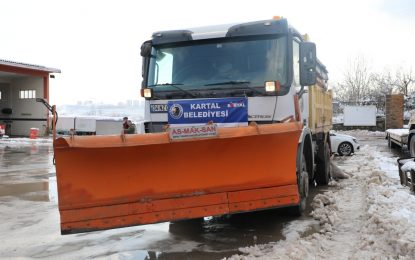 İzmit Belediyesine karla mücadelede İBB ve Kartal Belediyesinden kar robotu desteği