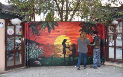 Sevgililer gününe özel boyanan duvarlar İzmitlilerle buluştu