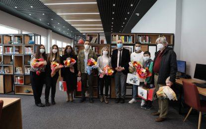 En çok kitap okuyan 5 kişiye, İzmit Belediyesinden hediye