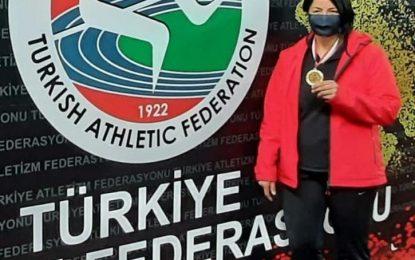 İzmit Belediyesporlu atlet gülle atmada Türkiye şampiyonu oldu