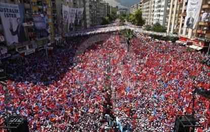 Abdurrahman Dilipak, Erdoğan'ı bu fotoğrafla köşeye sıkıştırdı!